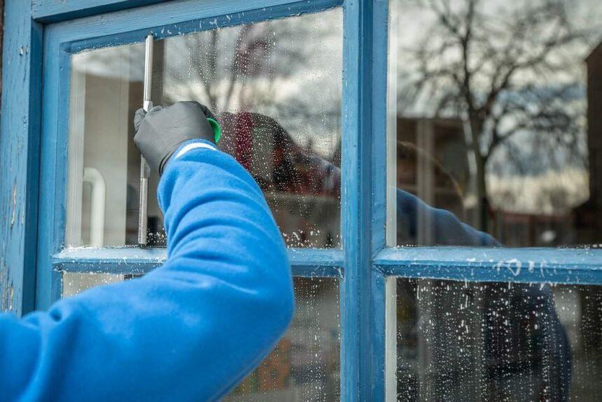 Best Way To Clean Windows – Tips & Tricks